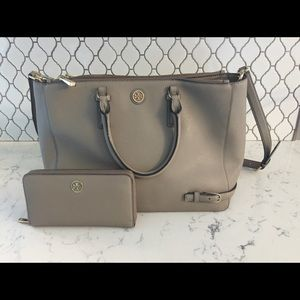 Tory Burch Robinson- French Grey & Matching wallet
